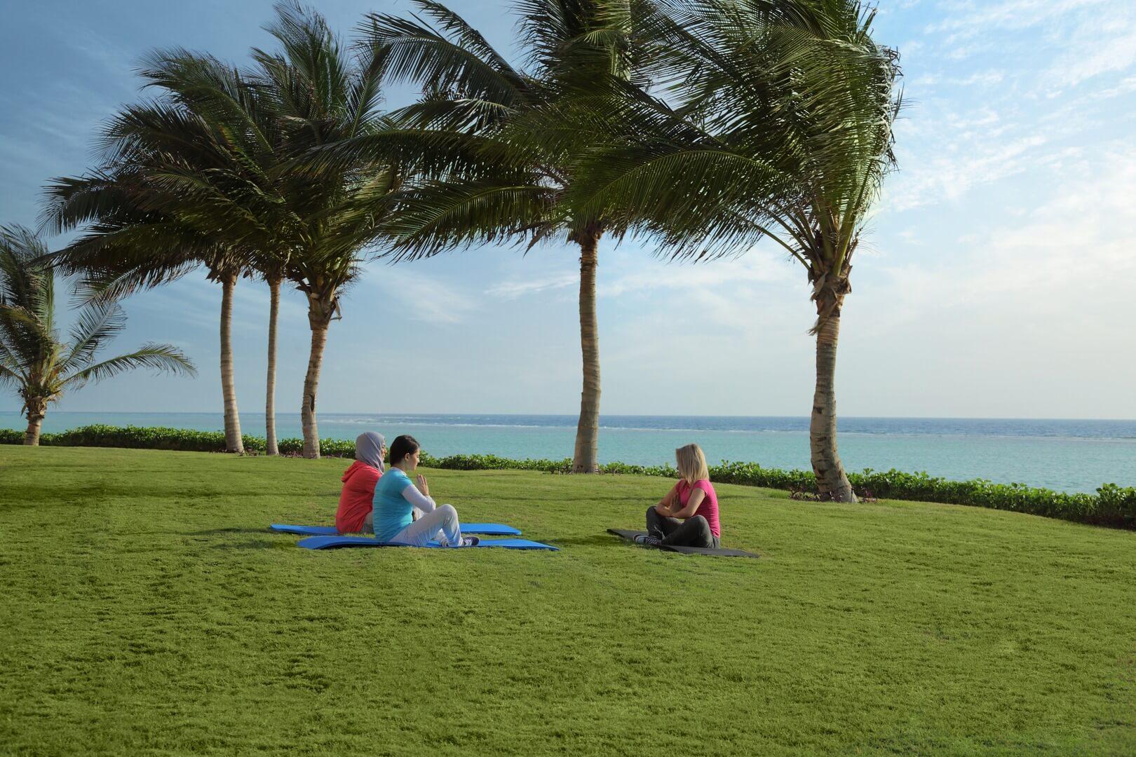 شاطئ المروج - مدينة الملك عبد الله الاقتصادية