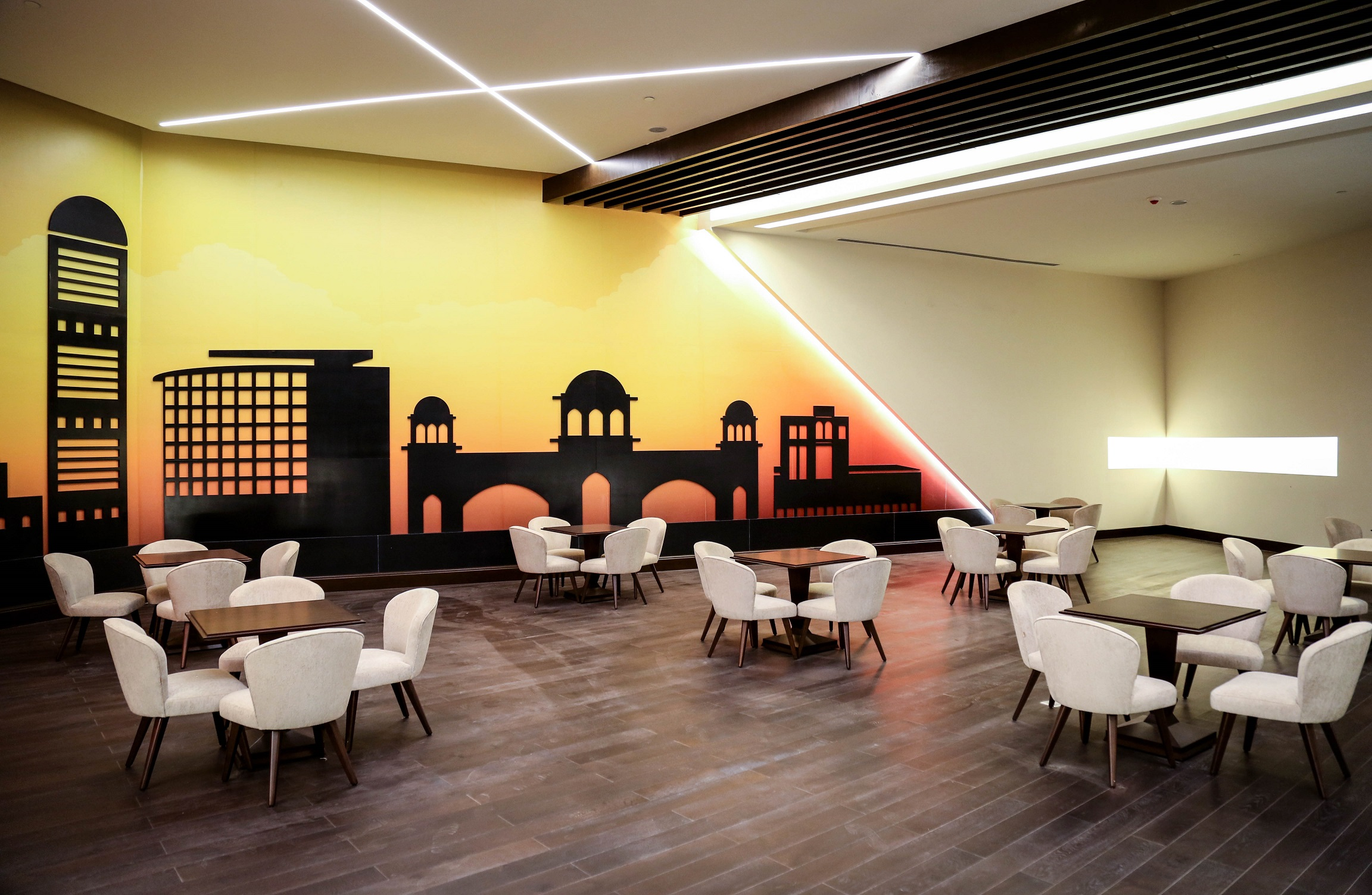 Bay La Sun Club Lounge 3