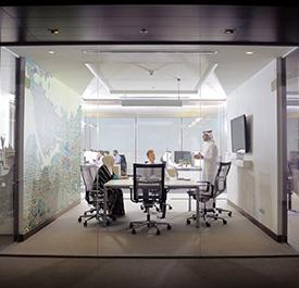 غرفة اجتماعات فى مجمع الأعمال باي فيوز - مدينة الملك عبدالله الاقتصادية