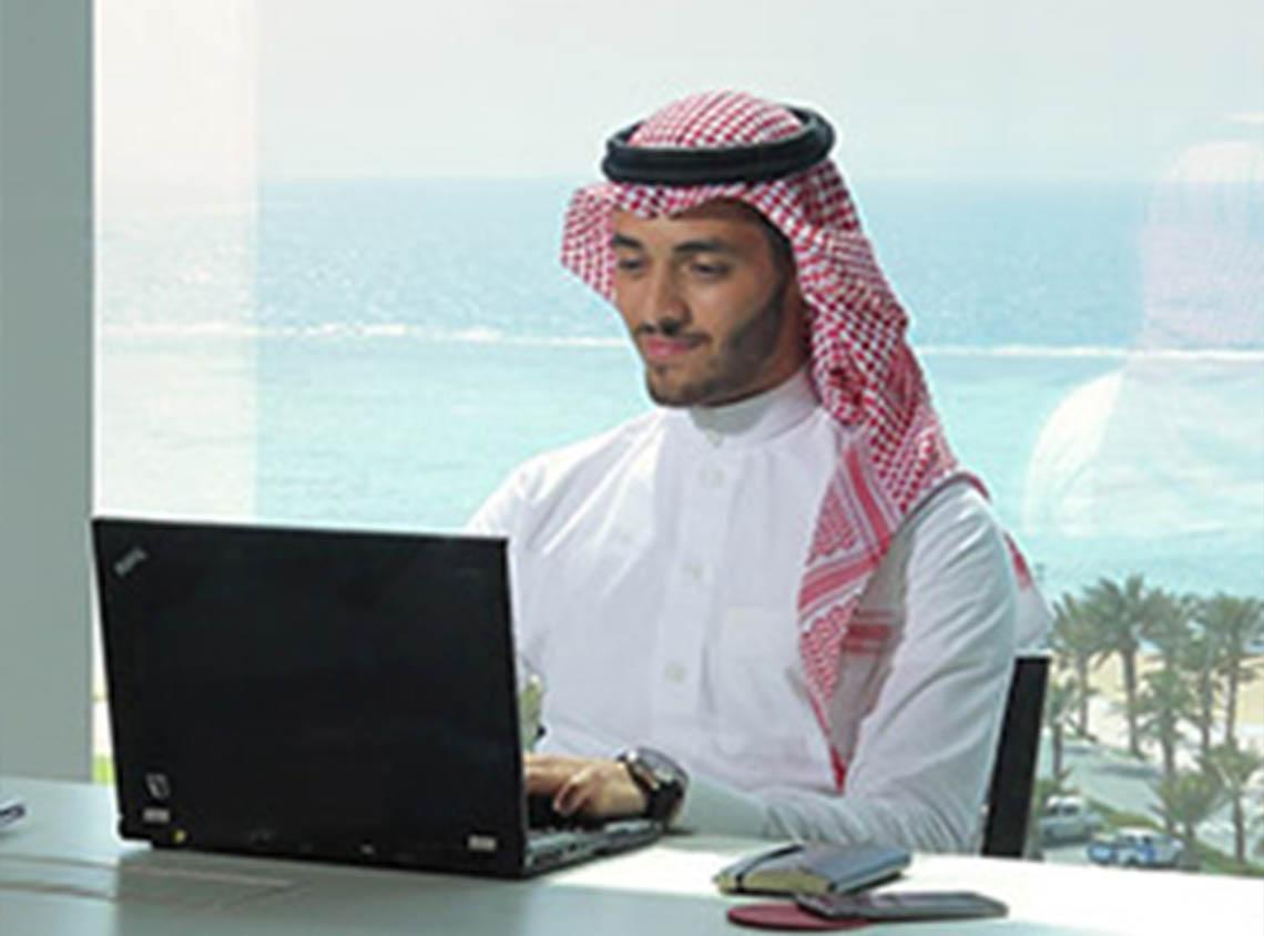مكاتب إعمار المطله على الشاطئ في مجمع اللأعمال باي فيوز  - مدينة الملك عبدالله الاقتصادية
