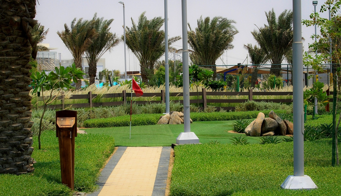 City and Juman Park - Mini Golf 3